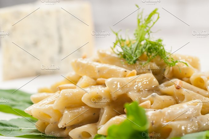 Italian pasta penne gorgonzola and pine nut 20.jpg - Food & Drink