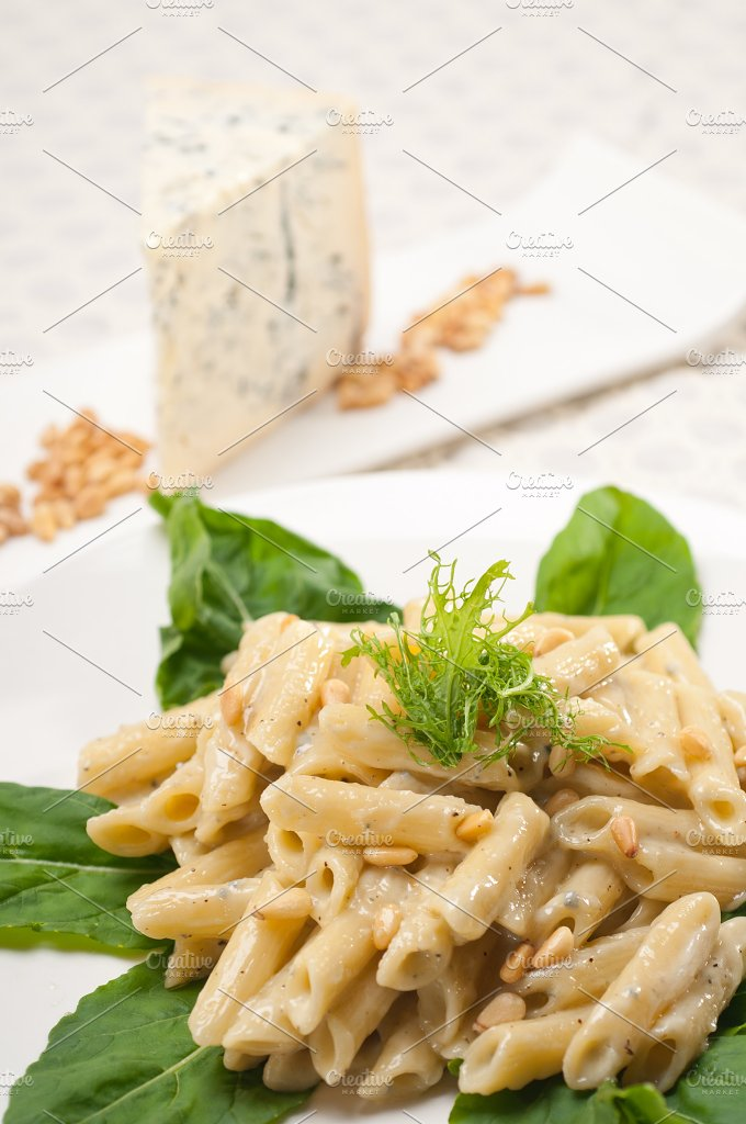 Italian pasta penne gorgonzola and pine nut 24.jpg - Food & Drink