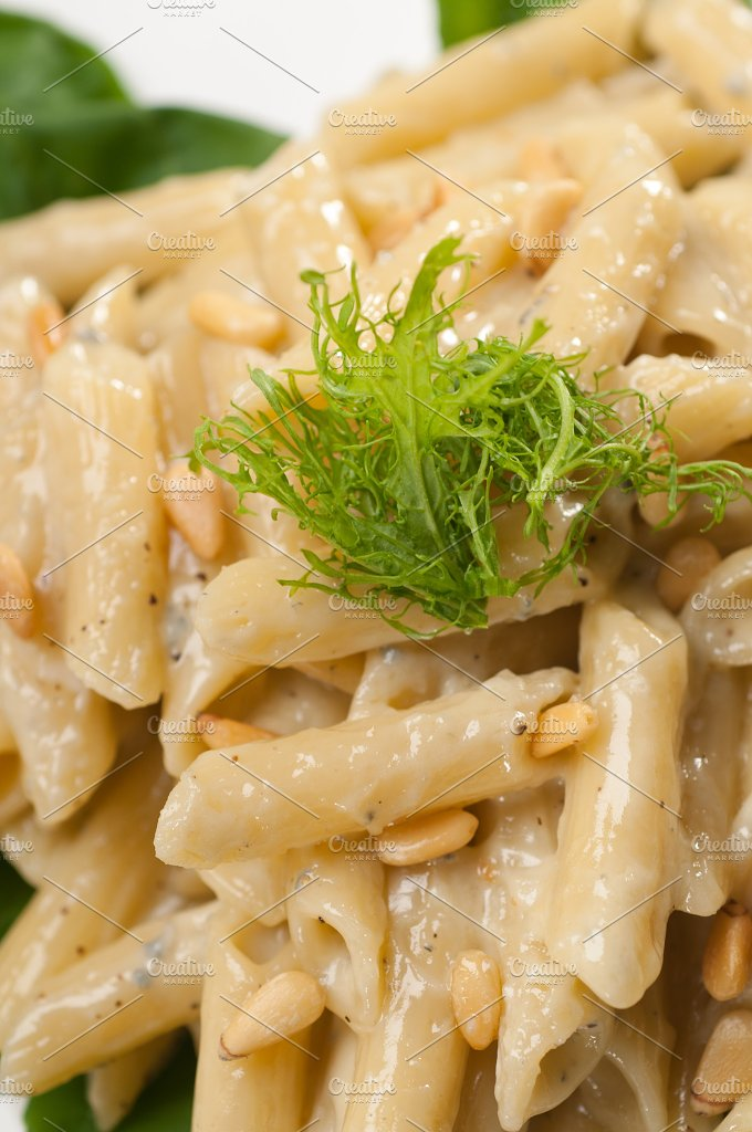 Italian pasta penne gorgonzola and pine nut 27.jpg - Food & Drink