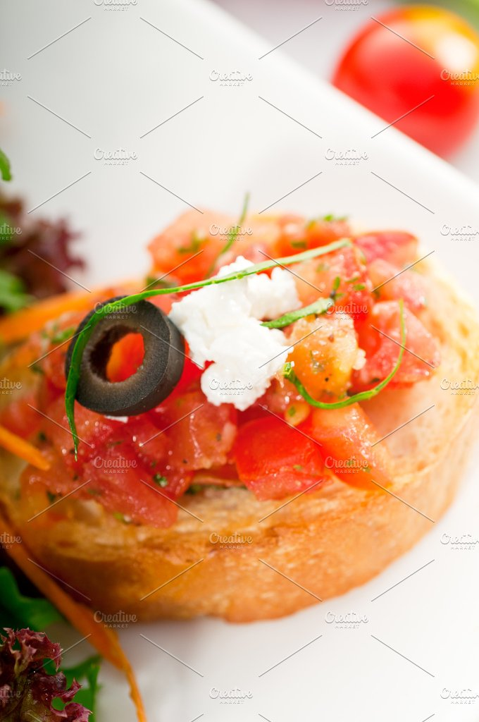 Italian bruschetta and fresh salad 06.jpg - Food & Drink