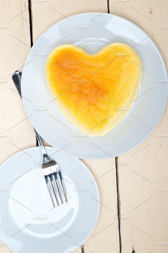 heart shape cheesecake 009.jpg - Food & Drink