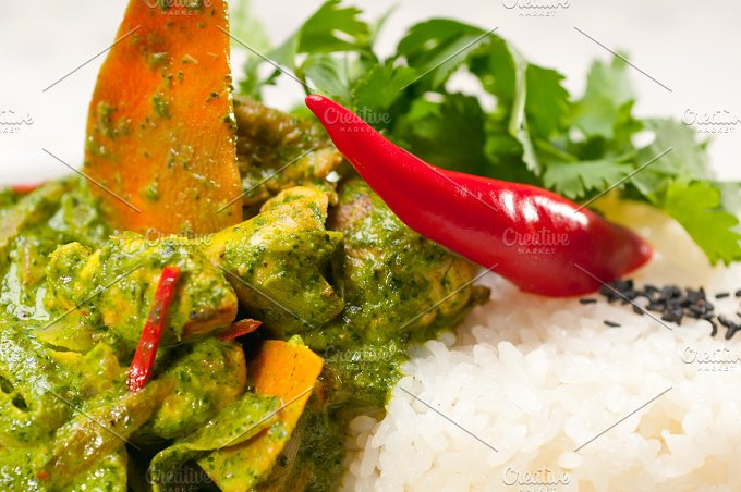 green curry chicken and vegetable stew with rice 02.jpg - Food & Drink