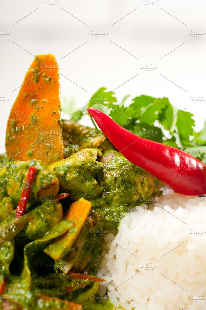 green curry chicken and vegetable stew with rice 03.jpg - Food & Drink