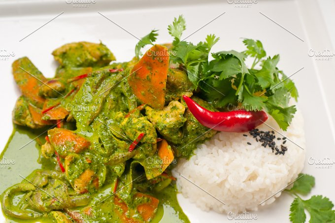 green curry chicken and vegetable stew with rice 01.jpg - Food & Drink