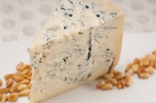 gorgonzola cheese 09.jpg