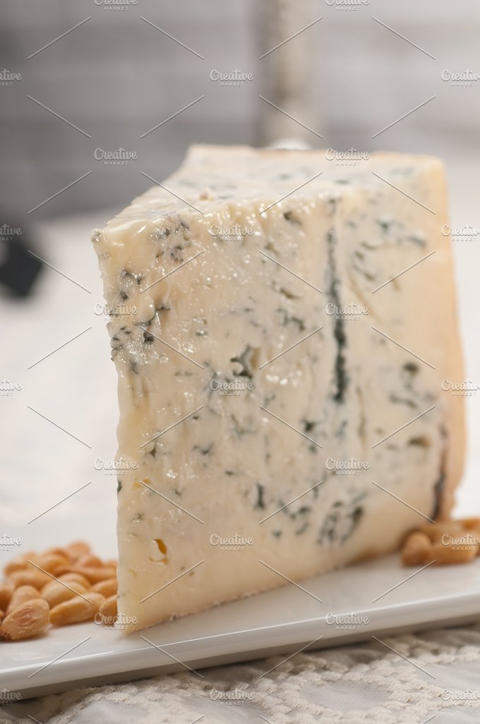 gorgonzola cheese 11.jpg - Food & Drink