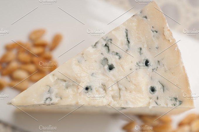 gorgonzola cheese 16.jpg - Food & Drink