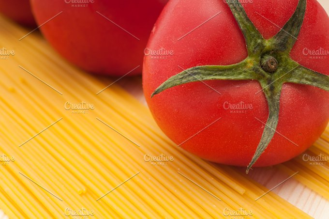 fresh tomato and italian pasta 19.jpg - Food & Drink