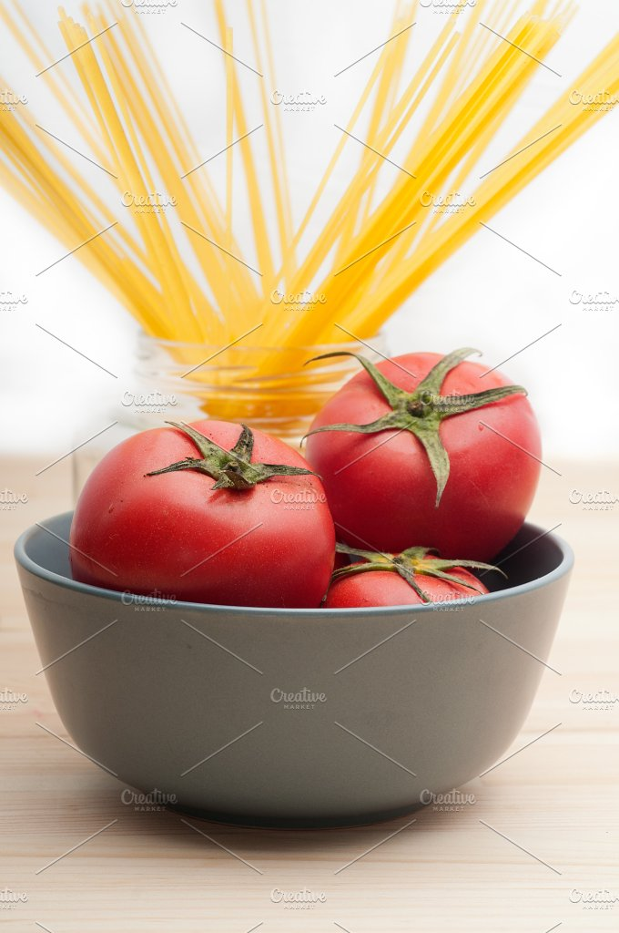 fresh tomato and italian pasta 30.jpg - Food & Drink