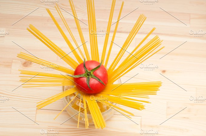 fresh tomato and italian pasta 35.jpg - Food & Drink