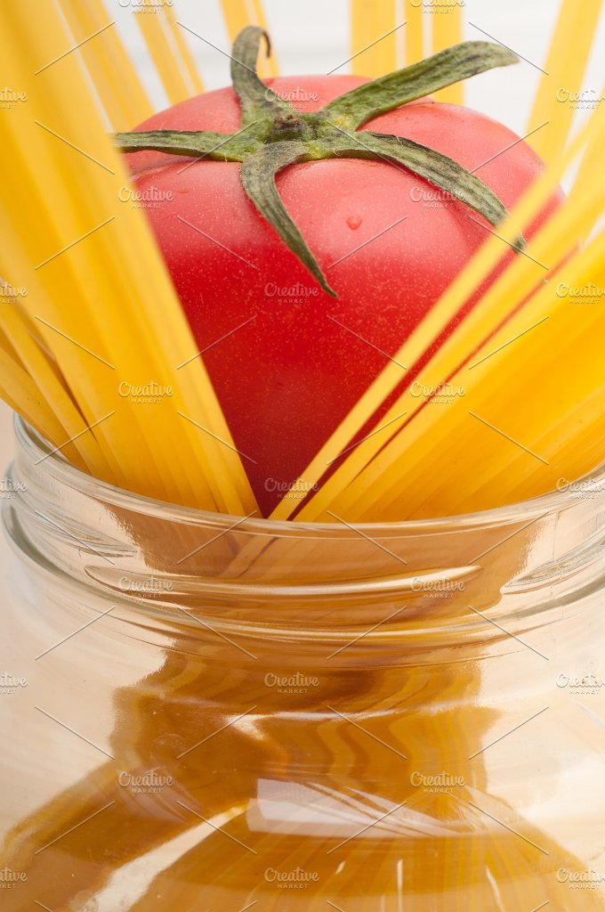fresh tomato and italian pasta 36.jpg - Food & Drink