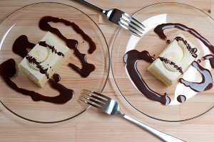 fresh cream cake with chocolate sauce 11.jpg