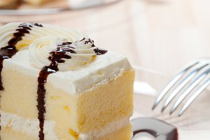 fresh cream cake with chocolate sauce 10.jpg