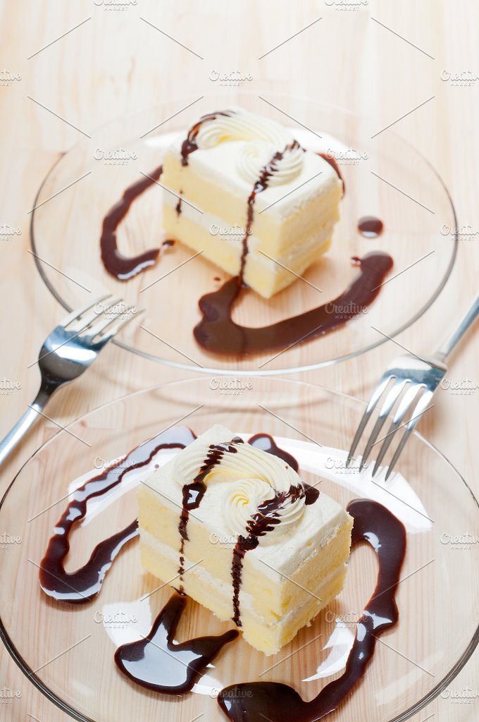 fresh cream cake with chocolate sauce 13.jpg - Food & Drink