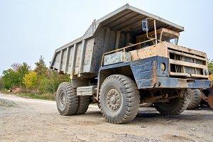 Haul dump truck