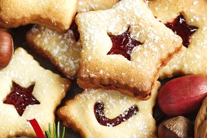 Christmas Linzer Cookies