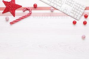 Christmas Desktop - red mockup