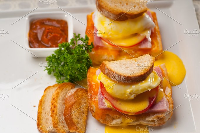 eggs benedict sandwich 32.jpg - Food & Drink
