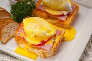 eggs benedict sandwich 10.jpg