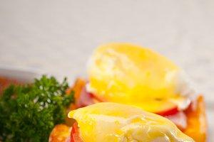eggs benedict sandwich 13.jpg