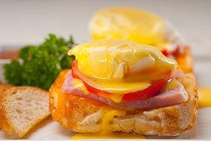 eggs benedict sandwich 12.jpg