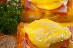eggs benedict sandwich 14.jpg