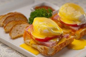 eggs benedict sandwich 17.jpg