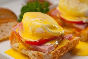 eggs benedict sandwich 18.jpg