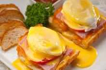 eggs benedict sandwich 21.jpg