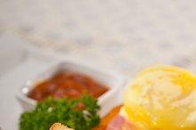 eggs benedict sandwich 28.jpg
