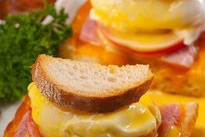 eggs benedict sandwich 29.jpg