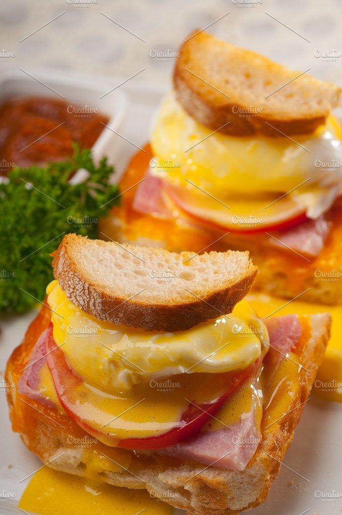 eggs benedict sandwich 29.jpg - Food & Drink