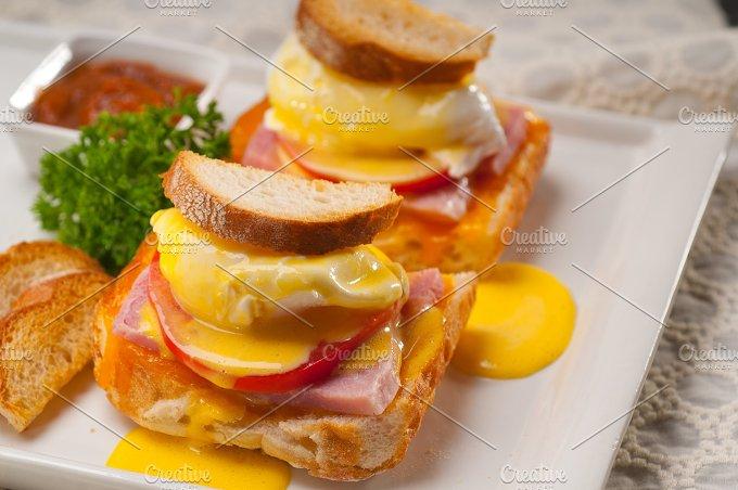 eggs benedict sandwich 31.jpg - Food & Drink