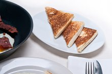 eggs bacon and toast 01.jpg
