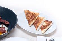 eggs bacon and toast 03.jpg
