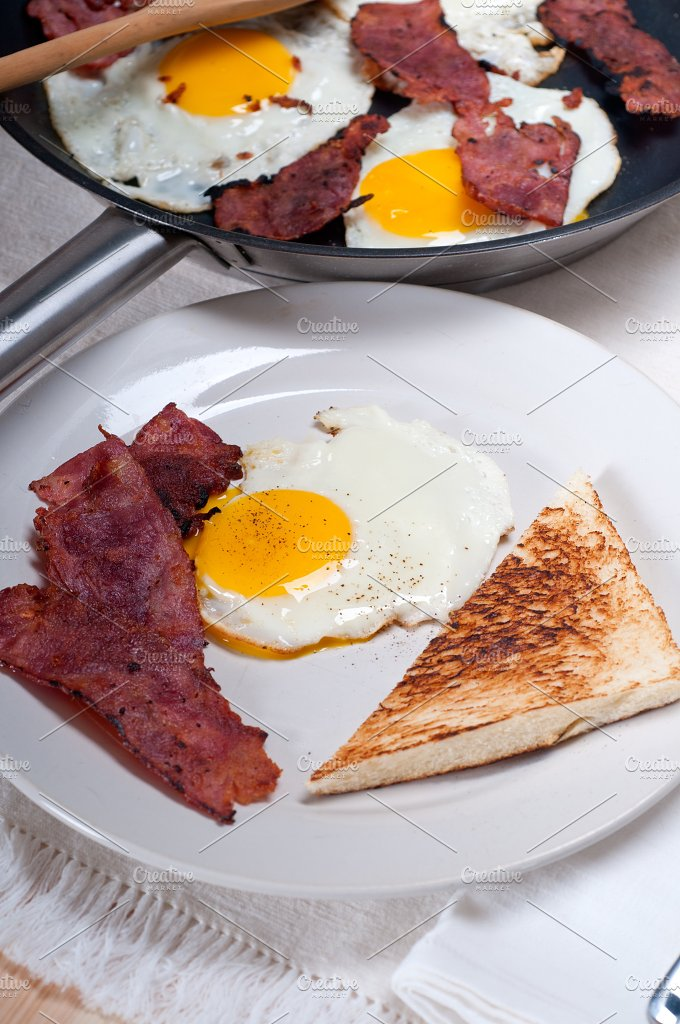 eggs bacon and toast 10.jpg - Food & Drink