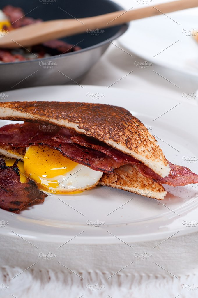 eggs bacon and toast 19.jpg - Food & Drink