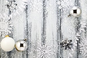 Christmas white & silver decorations