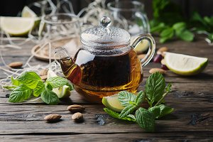 Hot black tea with lemon