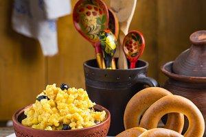 Millet porridge with honey