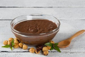 Hazelnut cream with hazelnut nuts