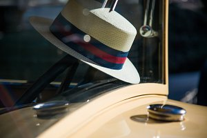 Hat on Wheel