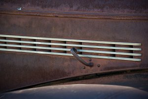 Chrome Lines on Rust