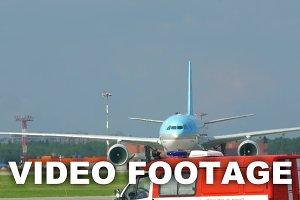 Passenger Jet Heading to the Runway