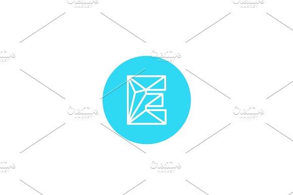 Simple line letter E logotype