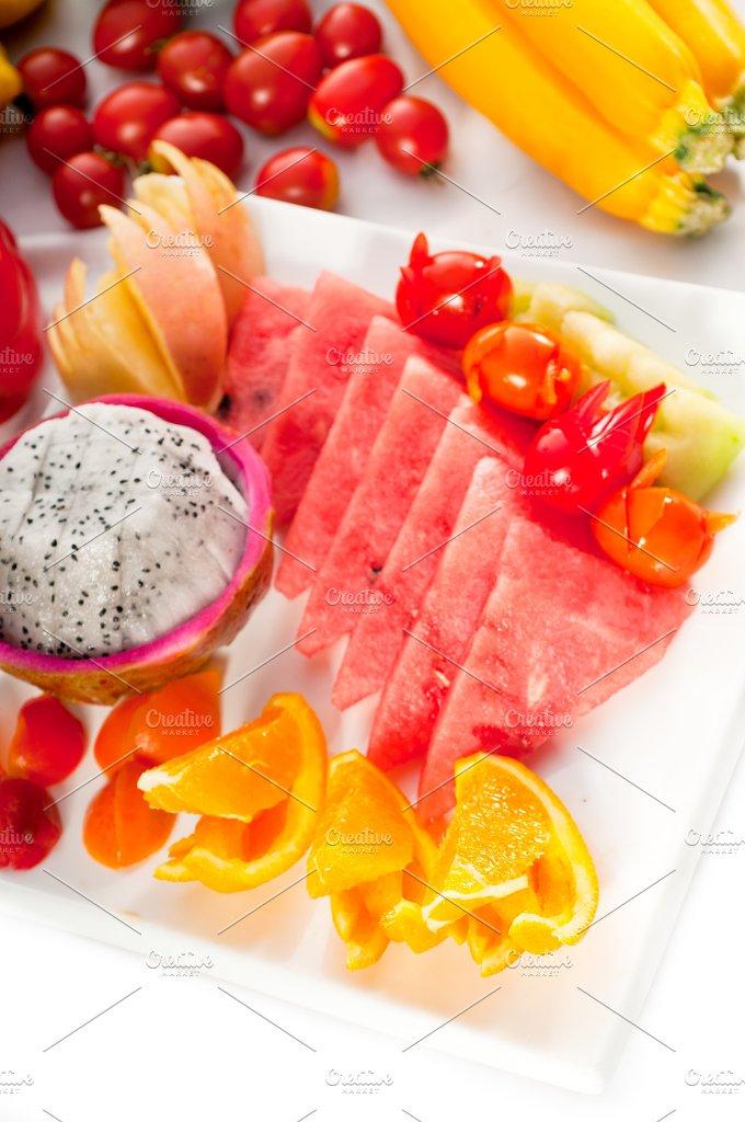 mix fruits platter and vegetables04.jpg - Food & Drink