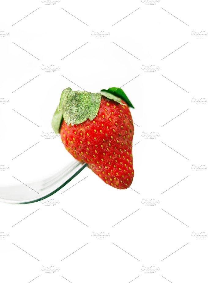 fresh strawberrys over white 08.jpg - Food & Drink