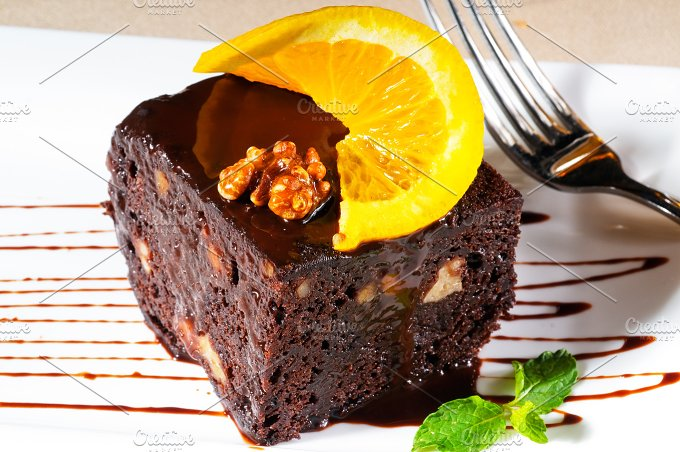 chocolate and walnuts cake 3.jpg - Food & Drink