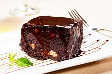 chocolate and walnuts cake 4.jpg