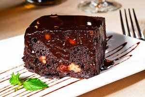 chocolate and walnuts cake 10.jpg